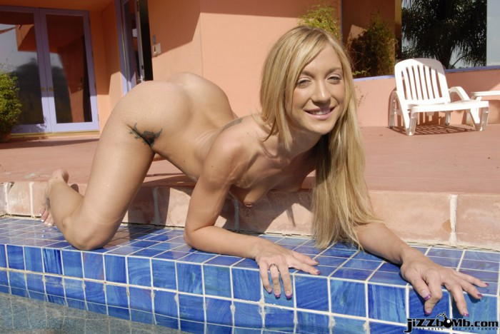 Amy Brooke Outside